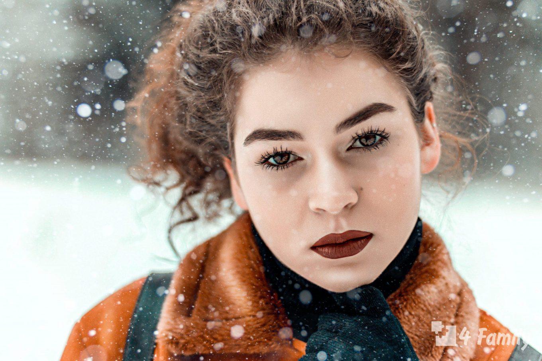 Уход за вьющимися волосами в зимний период