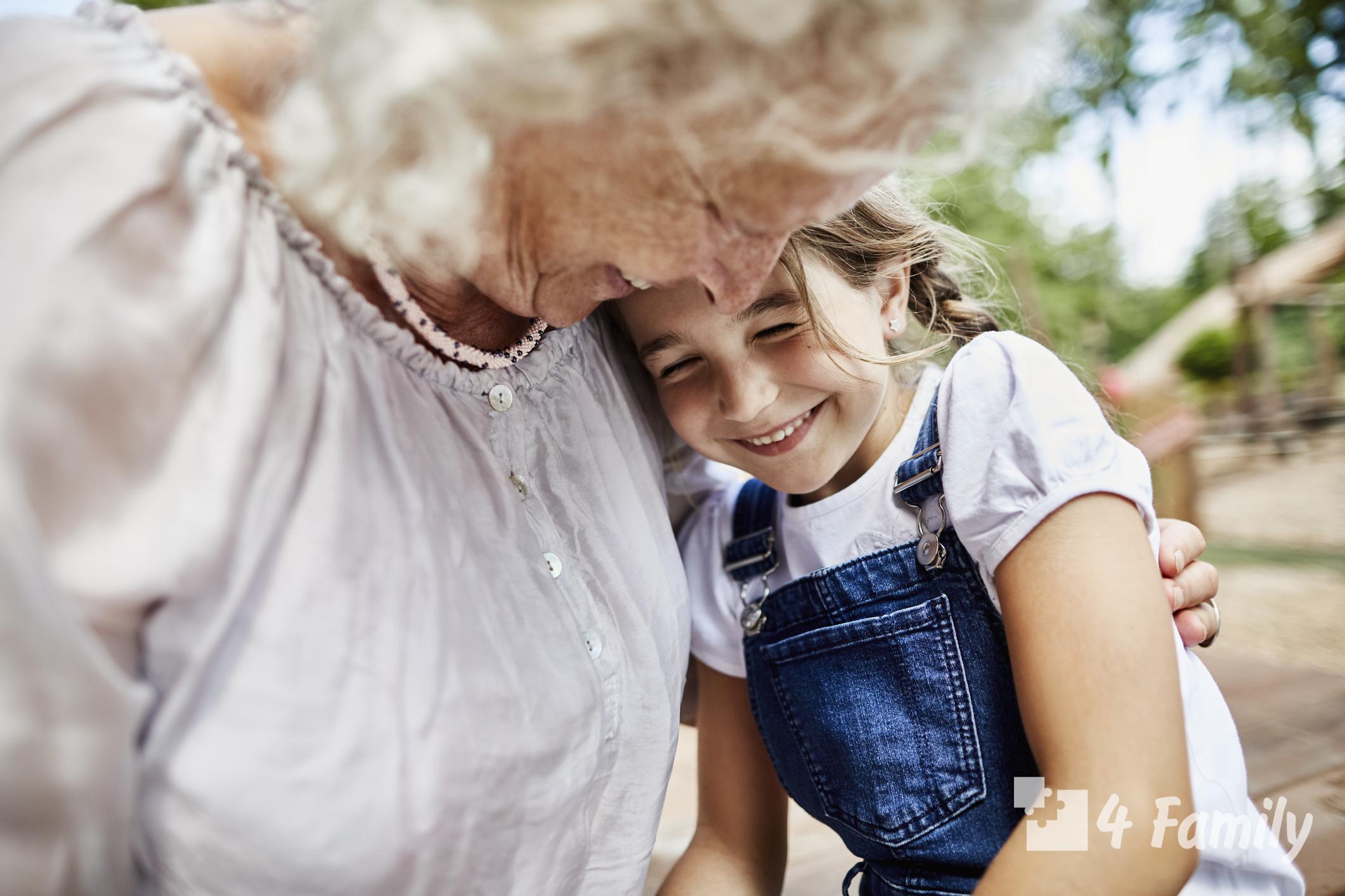Как выражается любовь бабушки к своему внуку