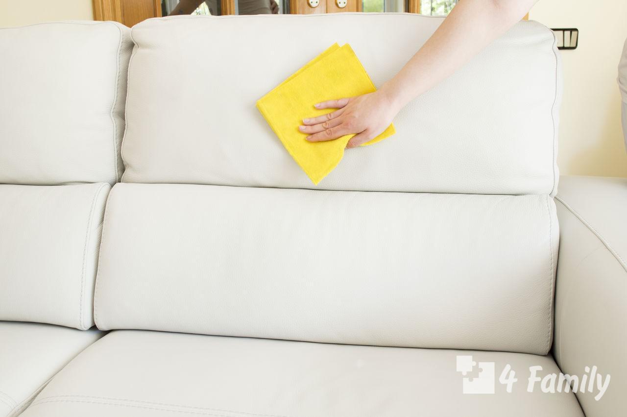 Как почистить диван от грязи и запаха в домашних условиях