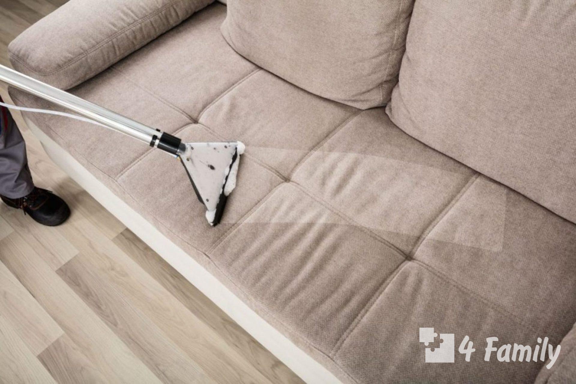 Фото. Как почистить диван от грязи и запаха в домашних условиях