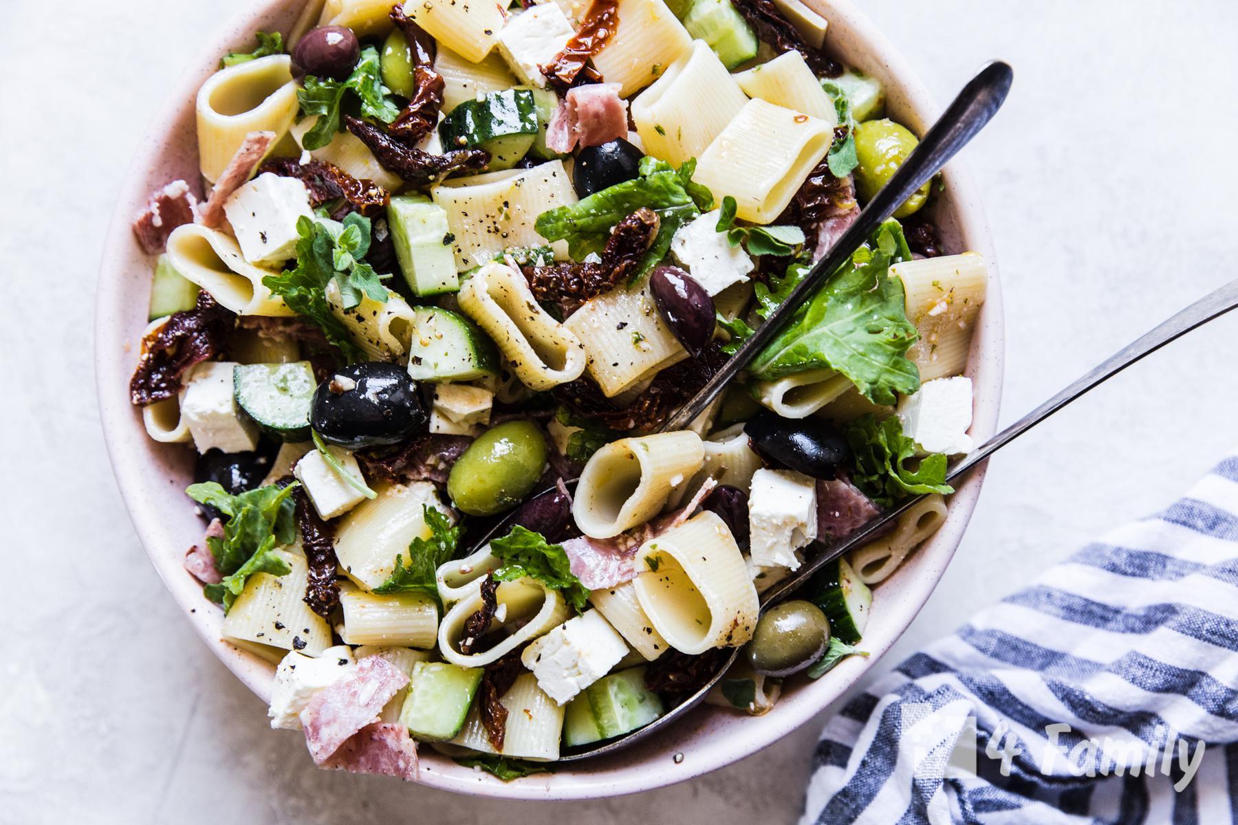 Как сделать средиземноморский салат