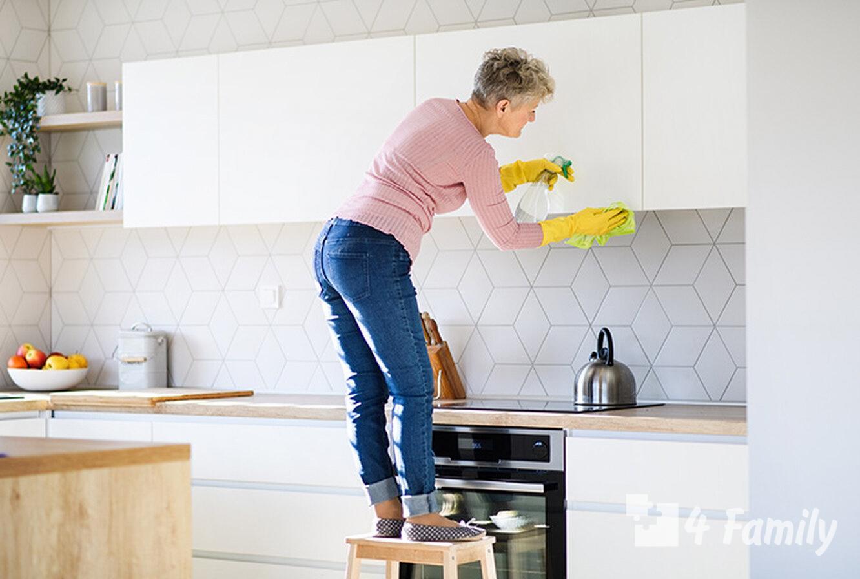 Как и чем отмывать кухонные шкафы