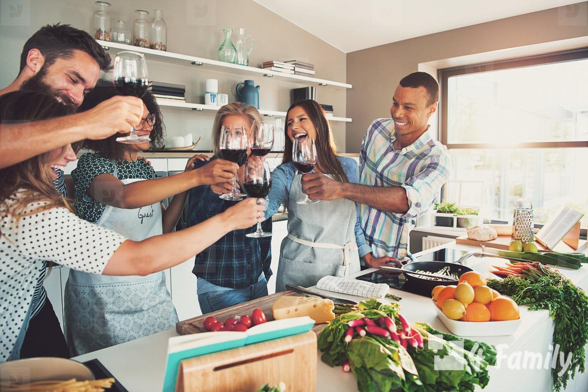 Как правильно вести себя при приеме гостей