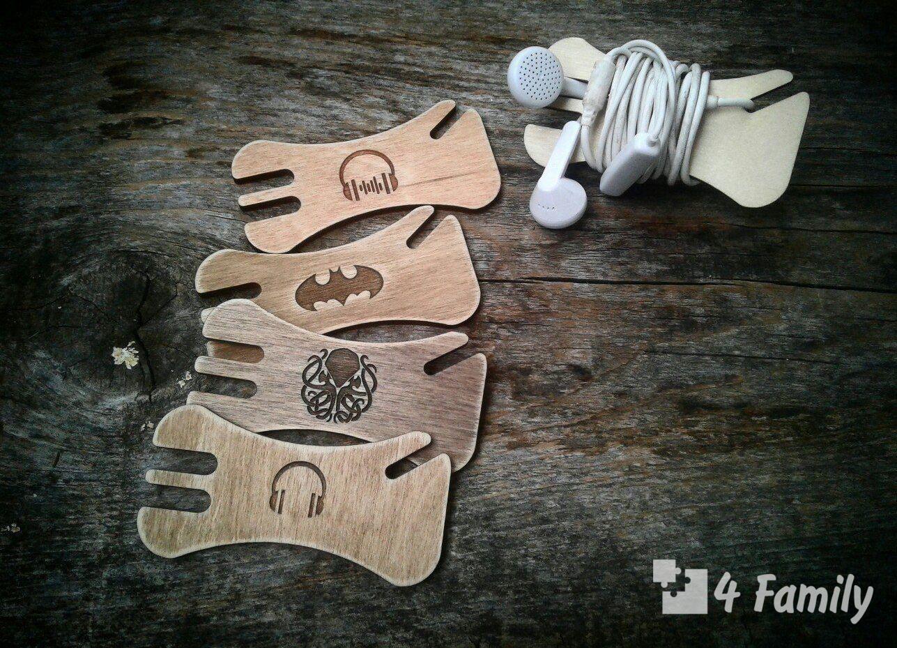 Карточный держатель для наушников своими руками