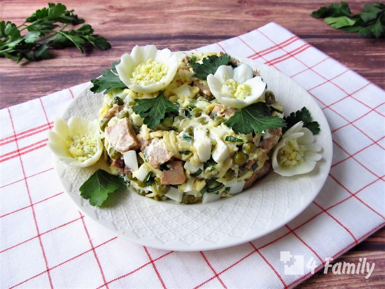 Как приготовить салат из печени трески с зеленым горошком