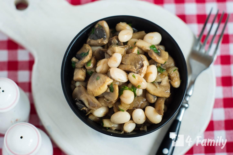 Как приготовить постный салат с грибами