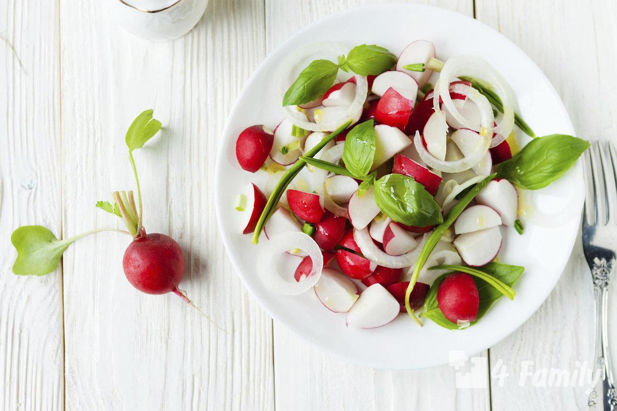 Как приготовить салат из редиски с зеленым горошком и мятой
