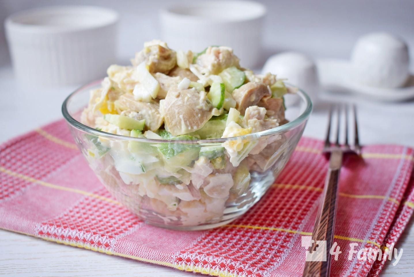 Как приготовить салат с консервированными шампиньонами