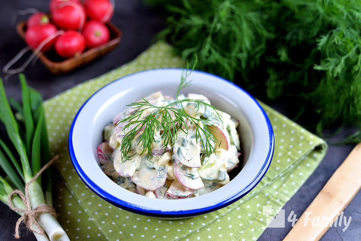 4family Как сделать салат из редиса с яйцом и зеленым луком