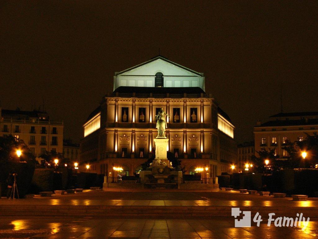 4family Королевский оперный театр в Мадриде