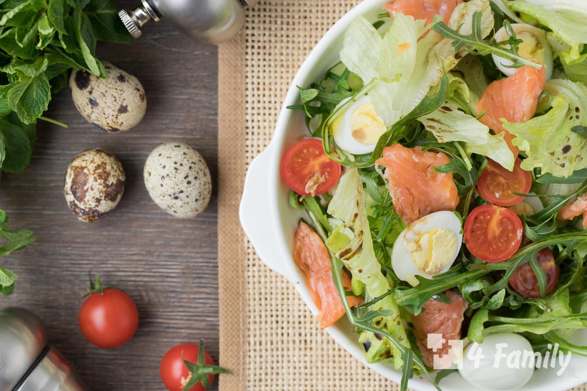 Какой салат можно приготовить с перепелиными яйцами